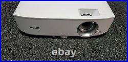 BenQ W1050 Projector