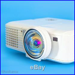 Mitsubishi Short-Throw DLP Projector with remote and cables HD HDMI