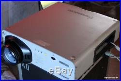 Panasonic PT-D 7600DLP Konferenz-Projektor 6001 6.000ANSI Projector XGA 24/7