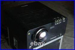 Panasonic PT-D10000EDLP Event-Beamer Projektor projector 10.000Ansi SXGA HDMI