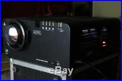 Panasonic PT-D10000ETri-DLP Event-Beamer Projektor projector 10.0000lm HELL++