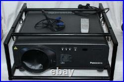 Panasonic PT-D7700E-K3 DLP Event-Beamer Projektor 7000lm+Flugrahmen 400h HDMI